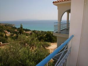 A balcony or terrace at Folies