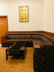 A seating area at Mila Suites and Furnished Apartment