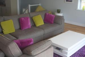 A seating area at 9 Sandpiper Cottages