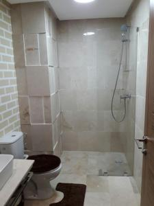 A bathroom at Nouaceur Garden