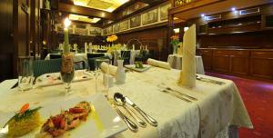 Ресторан / где поесть в Brioni Suites
