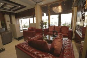 The lobby or reception area at Niyaf Hotel Appartments