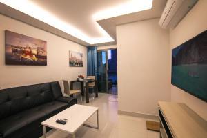 Гостиная зона в Sanctuary Wongamat Apartment 1-Bedroom