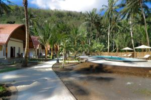 Piscine de l'établissement Crystal Bay Villa & Residence ou située à proximité