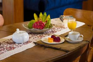 Breakfast options available to guests at Villa Joglo Jagat