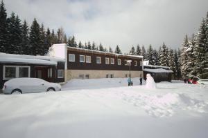 Chata Lesanka during the winter