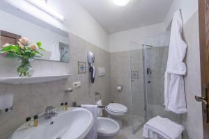A bathroom at villa virginia