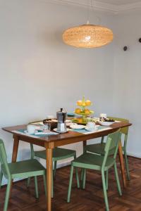 Un restaurante o sitio para comer en Departamentos Nice & Cool