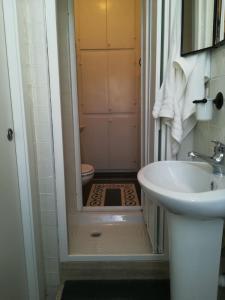 A bathroom at Apartment at Pigneto