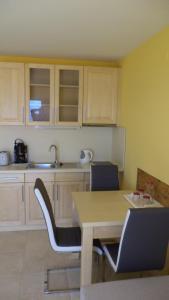 A kitchen or kitchenette at Bella Vista