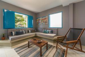 Uma área de estar em Casa Azul
