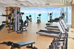 Фитнес-центр и/или тренажеры в Wong Amat Beach Tower
