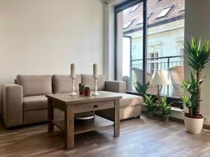 A seating area at Heart of the Old Town Apt - Terrace&View