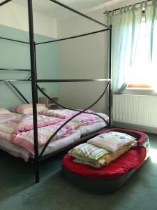 Ein Bett oder Betten in einem Zimmer der Unterkunft Nicht mehr buchbar, neue noch schönere Fewo in Arbeit