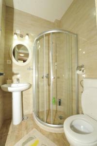 A bathroom at Apartments Olive