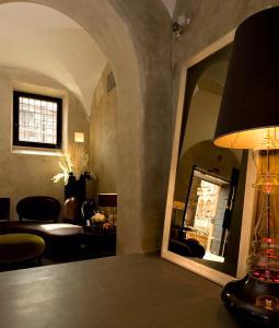 A seating area at Palazzo Al Velabro
