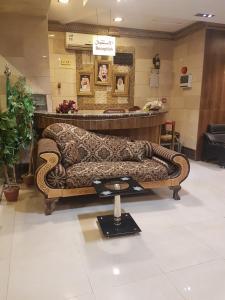 The lobby or reception area at Loaloat Riydah Apartments