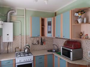 Кухня или мини-кухня в 2-х комнатная квартира в центре