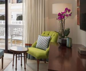 A seating area at Al Najada Doha Hotel Apartments by Oaks