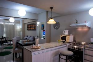 Una cocina o kitchenette en Apart Bicentenario