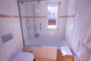 A bathroom at Chalet Herbi