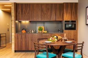A kitchen or kitchenette at Native Bankside