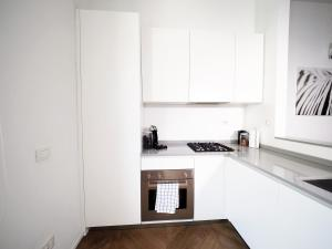 A kitchen or kitchenette at Turati 3