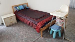 Ein Bett oder Betten in einem Zimmer der Unterkunft Apartment Karin