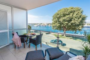 A balcony or terrace at Zadar Residence Apartments