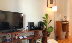 Een TV en/of entertainmentcenter bij LV Premier C.Ourique