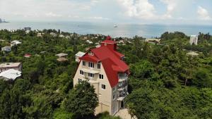 A bird's-eye view of Villa Royal House