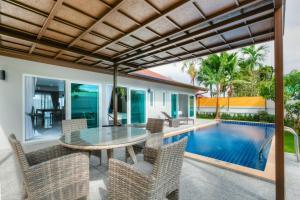 The swimming pool at or near Moana Villa