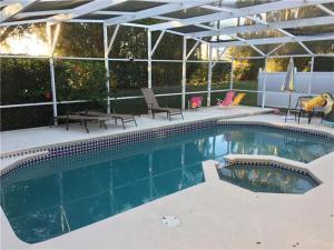 The swimming pool at or near Orlando Discount Villas - Davenport