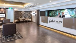 The lobby or reception area at Oaks Hyde Park Plaza