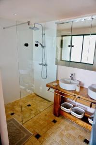 Salle de bains dans l'établissement Villa Bacchus