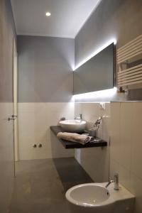 A bathroom at A Casa Mia