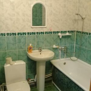 Un baño de Квартира 2-х комнатная на Советской 11