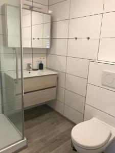 A bathroom at Xperience-Today
