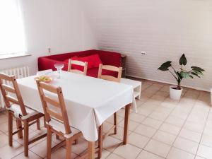 Ein Restaurant oder anderes Speiselokal in der Unterkunft Appartment Daji
