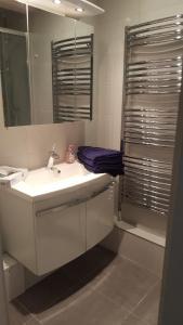 A bathroom at Chambertin