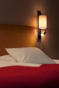 Lova arba lovos apgyvendinimo įstaigoje Hellsten Espoo