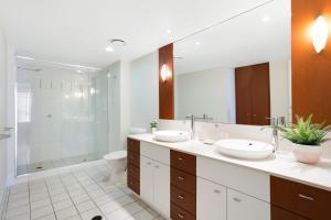A bathroom at Chevron Renaissance Ocean View