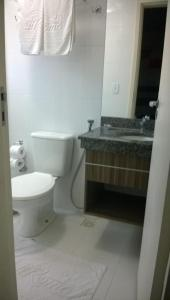 A bathroom at Flats Lacqua Diroma