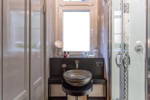 Uma casa de banho em Luxury Campo De Fiori