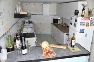 Cuisine ou kitchenette dans l'établissement Maison indépendante dans le vignoble de Bordeaux