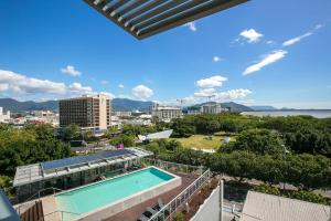 A view of the pool at Cairns Private Apartments or nearby