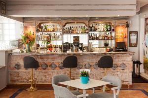 De lounge of bar bij Apartment Puerto Banus Marbella