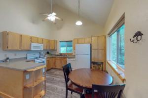 Küche/Küchenzeile in der Unterkunft The Great Escape in Gunnison