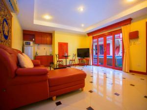 Гостиная зона в Punyapha Beach Villa