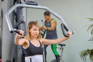 Gimnasio o instalaciones de fitness de Apartotel Obelisco San José Aeropuerto